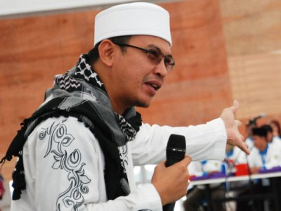 Uje Ustadz Jeffrey Al Buchori Motivator Terbaik Indonesia