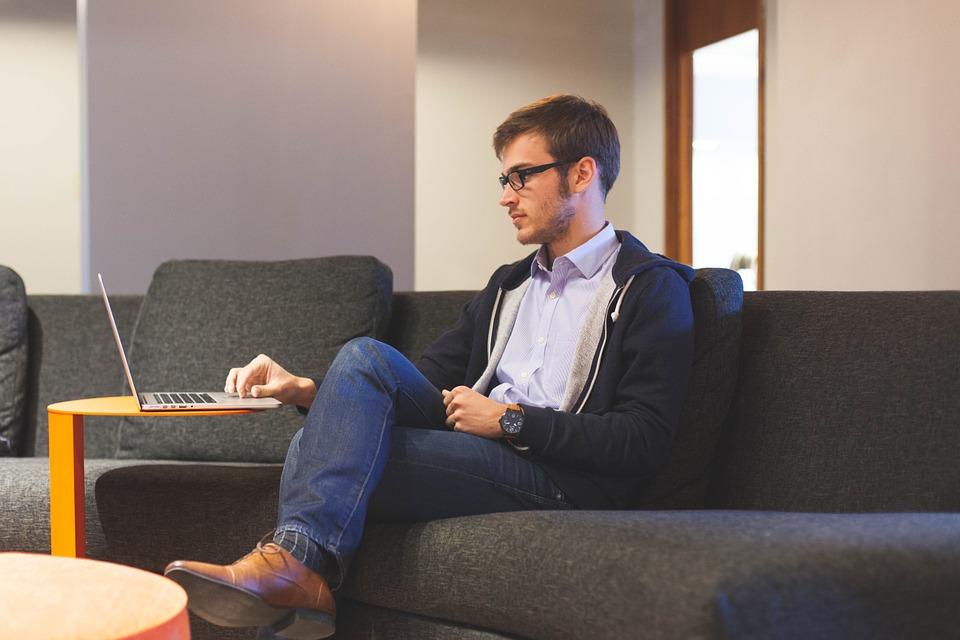Apakah anda stress di kantor? Inilah 5 cara mengatasi stress karena pekerjaan