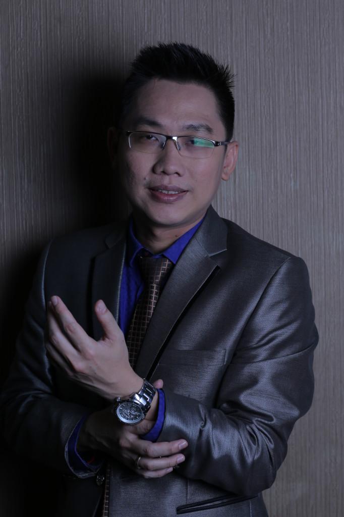 Pembicara dan Trainer Kepemimpinan - Leadership Terbaik Indonesia . Christian Adrianto - Jamil Azzaini